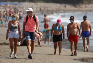 Lebih dari Setengah Warga Spanyol Tak Mau Divaksin Segera