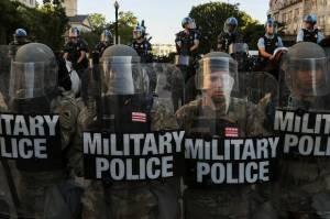 Pejabat Militer AS Takut Akan Serangan Orang Dalam saat Pelantikan Biden