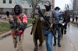Kelompok-kelompok ekstremis bersumpah akan ada kekacauan di hari pelantikan Presiden terpilih Joe Biden hari Rabu.