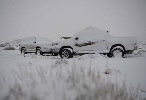 Jarang Terjadi, Salju Menyelimuti Arab Saudi Saat Suhu Turun Drastis