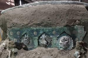 Terkubur 2.000 Tahun, Arkeolog Temukan Kereta Kuda di Pompeii