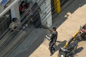 Viral Sadisnya Polisi Myanmar, Demonstran Ditembak Mati dari Jarak 1 Meter