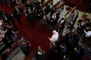 Paus Fransiskus Kunjungi Gereja Irak Tempat ISIS Bantai Hampir 60 Orang