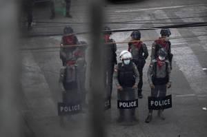 Cari Demonstran, Pasukan Junta Myanmar Geledah Kamar Demi Kamar