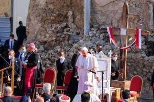 Paus Fransiskus: Kunjungan Selanjutnya ke Lebanon yang Menderita