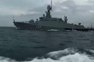 Seteru dengan Ukraina Memanas, Rusia Kerahkan 15 Kapal Perang
