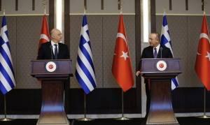 Menlu Turki dan Yunani Bertengkar Saat Konferensi Pers