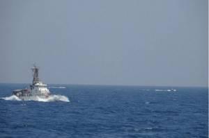 Didekati 13 Kapal Iran, Kapal AS Lepaskan 30 Tembakan Peringatan