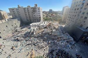 Diduga Jadi Markas Hamas, Alasan Israel Hancurkan Gedung Media di Gaza