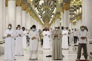 Arab Saudi Pecat Pejabat Masjid Nabawi karena Tunda Salat Subuh 45 Menit