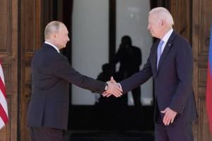 Dua Kekuatan Besar Bertemu, Biden-Putin Terlibat Diskusi Berjam-jam