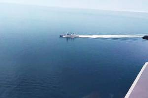 Rusia Rilis Video Jet Tempur Su-24M Terbang di Atas Kapal Perang Inggris
