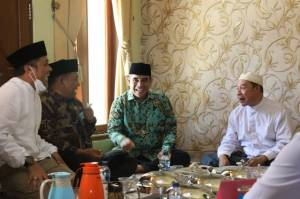 Wakil Ketua MPR Hadiri Vaksinasi di Ponpes Buntet Cirebon