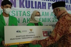 BAZNAS Berikan Beasiswa dan Bantuan Bagi Pengusaha Mustahik Kuliner di UIA Jakarta