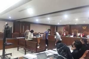 Azis Syamsuddin Kenalkan Stepanus Robin ke Mantan Bupati Kukar di Lapas Tangerang