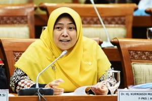 PKS Minta Pemerintah Tak Abaikan Persoalan Keluarga, Ibu, dan Anak