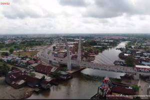 Resmikan Jembatan Sei Alalak di Banjarmasin, Jokowi Perkirakan Bertahan hingga 100 Tahun
