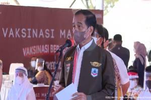 Jokowi Minta Daerah Bekerja Keras Capai Target 70% Warga Tervaksinasi di Akhir 2021