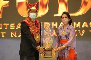 Kemenag Nobatkan Bali sebagai Juara Umum Utsawa Dharma Gita Tingkat Nasional XIV