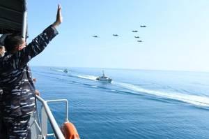 Puluhan Kapal Perang Canggih TNI AL Gelar Peperangan di Perairan Laut Jawa
