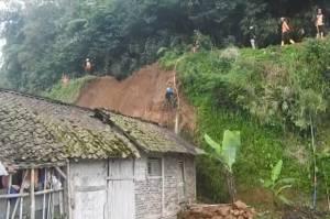 Tim Gabungan Lakukan Upaya Penanganan Longsor di Kabupaten Banjarnegara