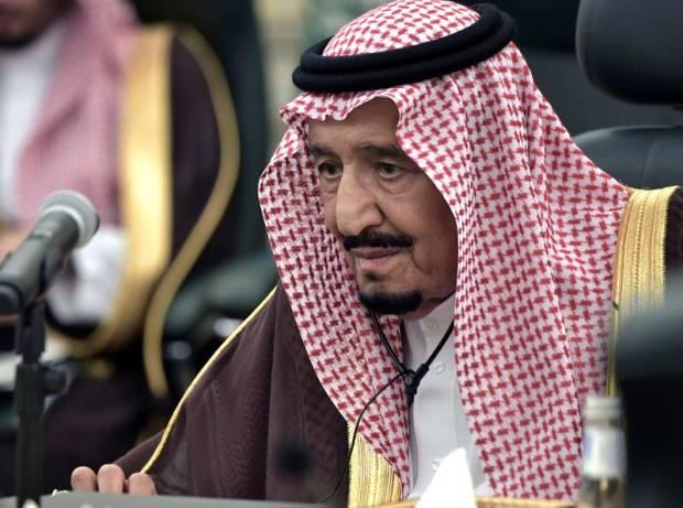 Raja Salman Izinkan Pelaksanaan Salat Tarawih di Dua Masjid Suci