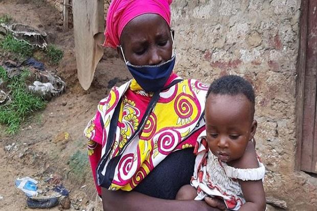 Pandemi COVID-19, Janda Ini Memasak Batu untuk 8 Anaknya yang Lapar