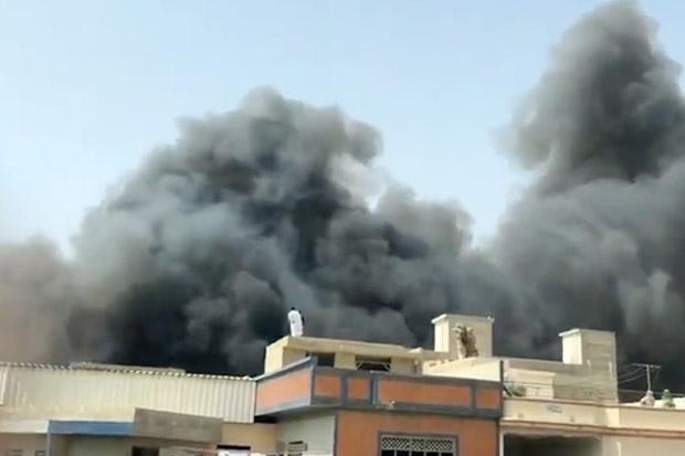 Angkut 107 Orang, Pesawat Pakistan International Airlines Jatuh di Karachi