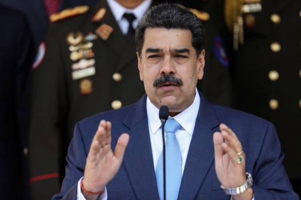 Maduro Berjanji Naikkan Harga Bensin Saat Tanker Iran Keempat Mendekat