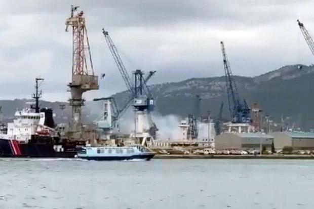 Kapal Selam Nuklir Prancis Terbakar di Mediterania