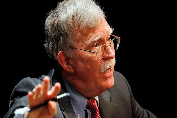 Bolton: Trump Pikir Keren Menginvasi Venezuela, tapi Batal karena Putin