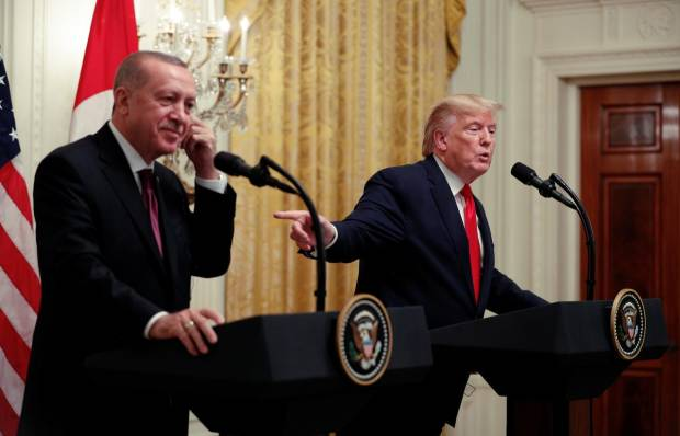 Turki Sebut Buku Bolton Menyesatkan Soal Percakapan Erdogan-Trump
