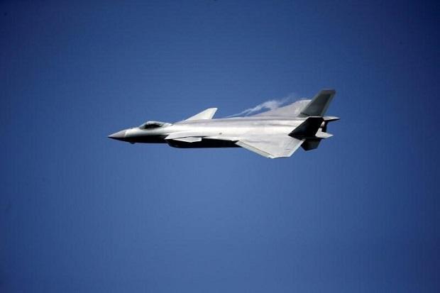 China Produksi Massal J-20, Pesaing Jet Tempur Siluman F-35 AS