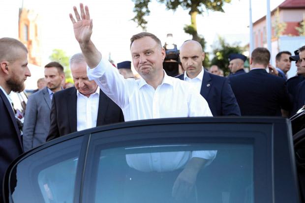 Warga Rusia Nyaru Jadi Sekjen PBB, Ngeprank Presiden Polandia