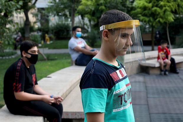 Pejabat Kesehatan Iran Sanggah Klaim Rouhani Soal 25 Juta Warga Terinfeksi Covid-19