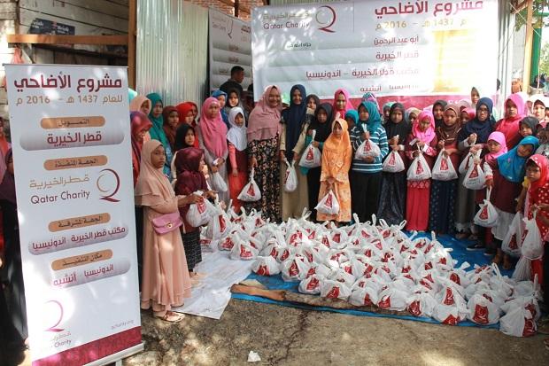 Qatar Charity Indonesia Distribusikan Paket Daging Kurban pada Warga Aceh