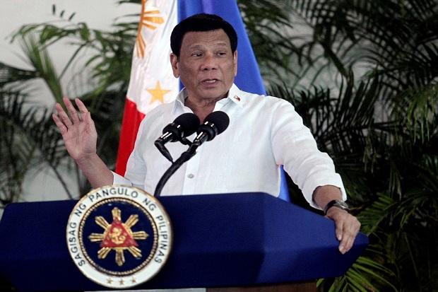 Duterte: Gunakan Bensin untuk Disinfektan Masker, Ini Bukan Bercanda