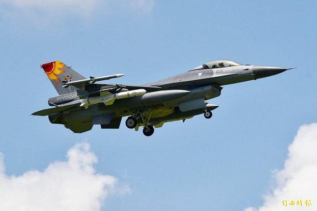 China Hendak Latihan Invasi, Taiwan Kerahkan F-16 dengan Rudal Anti-Kapal