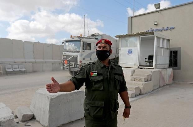 Israel Tutup Perlintasan Gaza Usai Palestina Luncurkan Balon Pembakar