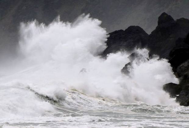 Jepang Diterjang Badai Haishen, Curah Hujan Sangat Tinggi