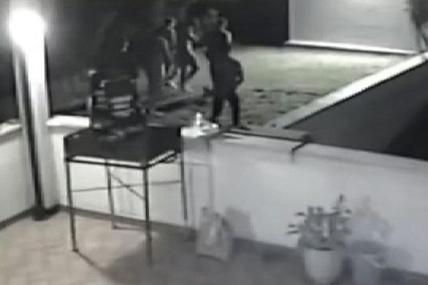 Pesta di Italia, 2 Gadis Inggris Diperkosa 8 Pria di Depan Kamera