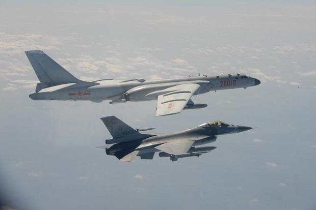 Sebanyak 18 Pesawat China Berdengung Dekat Taiwan