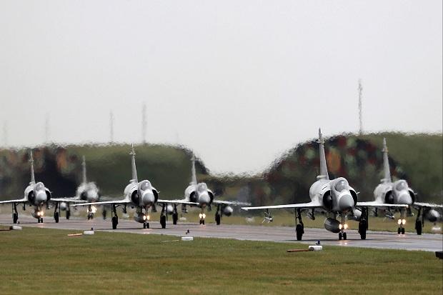 Didekati 19 Pesawat China, Taiwan Kerahkan Jet Tem