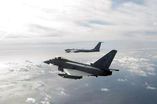 Jet Tempur Inggris Kejar Pesawat Pembom Rusia di Laut Utara