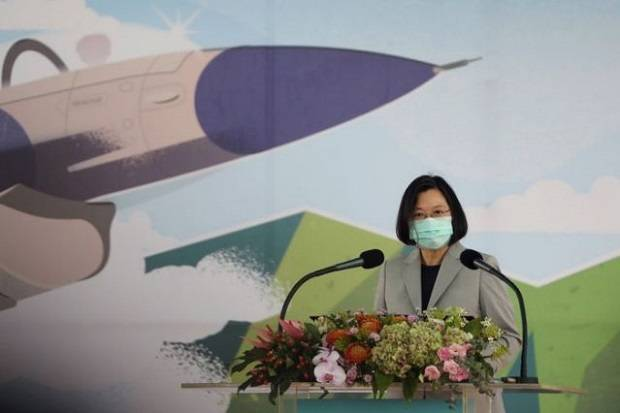 Presiden Taiwan Puji Pilot Heroik yang Cegat Jet Tempur China