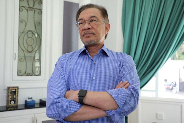 Anwar Ibrahim Selangkah Menuju Kursi PM