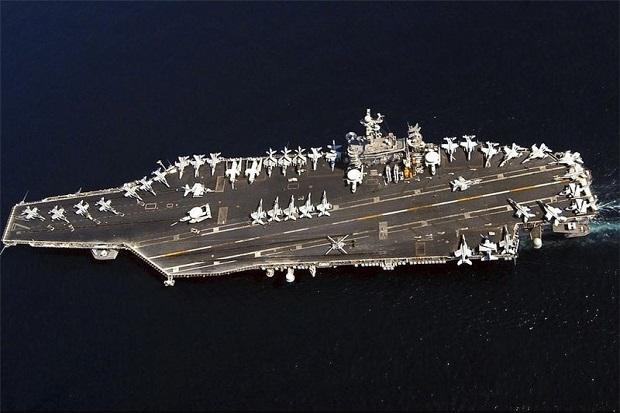 Iran Klaim Drone-nya Deteksi Armada Kapal Induk AS di Selat Hormuz