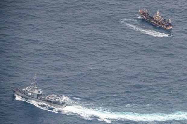 Sebanyak 250 Kapal Ikan China Serbu Lepas Pantai Peru Memicu Kemarahan