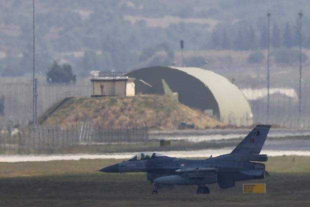 Jet Tempur F-16 Turki Tembak Jatuh Su-25 Armenia,