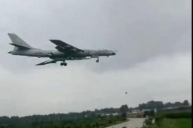 Pembom H-6N China Terlihat Bawa Rudal Jelajah Hipersonik Misterius